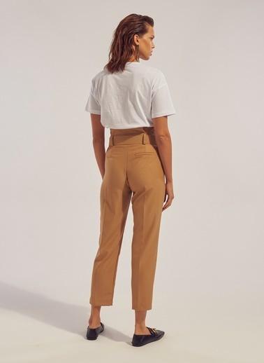 Monamoda Yüksek Bel Pileli Pantolon Camel